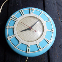 Vintage 1950's Spartus Kitchen Clock, Aqua, Retro Clock, Mid-Century Clock, Beach Cottage Clock, Wall Hanging Clock, Working Vintage Clock
