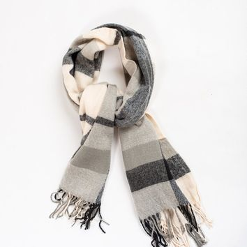 Ria Black Plaid Scarf