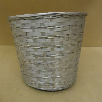 Handcrafted Basket 12in Diameter x 11in H Silver Wicker -- Used
