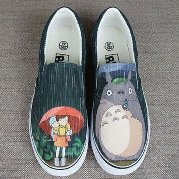 DCCKBWS Totoro shoes. Totoro in the rain. Hand painted shoes. Anime Totoro shoes. Anime totoro