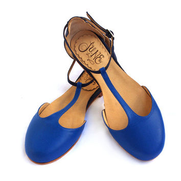 Sakura Blue - Leather sandals in blue. Handmade flat shoe by Quiero June - Free shipping