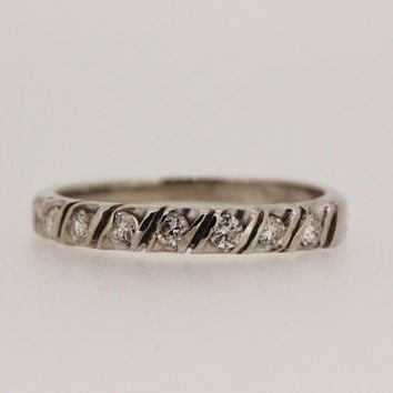 Diamond Wedding Ring Vintage Wedding Band 14k White Gold Ring Promise Ring Thin Gold Ring Stacking Ring Estate Ring Size 5