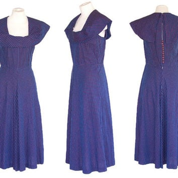1950s Cotton Gingham Dress Vintage Sundress Dramatic Collar Wide A Line Skirt  S to M