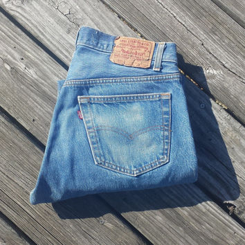 Vintage LEVI'S 501 Jeans - SZ 34 x 30 - Actual 31 x 26.5 -Boyfriend Jeans - Feel the Love!