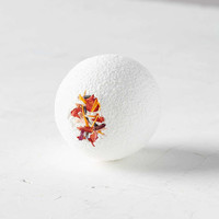 Fig + Moss Moisturizing Bath Bomb - Urban Outfitters