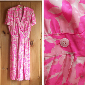 Vintage dress | Pink silk flowered wrap dress with pleated skirt