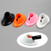 2016 New 2 pcs Rubber Nail Polish Bottle Holders Rubber Nail Art Tips Polish Varnish Bottle Display Stand Nail Art Pen Tool