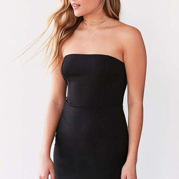 Kimchi Blue Scallop-Edge Strapless Dress | Urban Outfitters