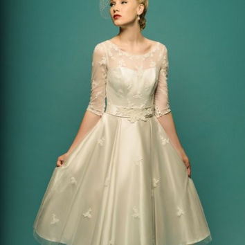 Sophia - Fifties style wedding dress.