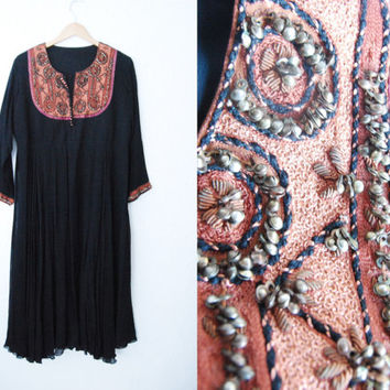 Vintage Hippie Boho Dress / Black / Tribal Ethnic Aztec Beaded Midi / Large