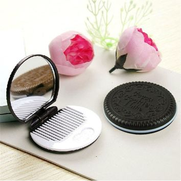 Cute Chocolate Cookie Shaped Design Makeup Mirror with Comb Lady Women Makeup Tool Pocket Mirror Home Office Use 2017 Hot Sale