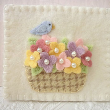 Felt Needle Book Bird Case Needlebook Pins Primitive Penny Rug Quilter