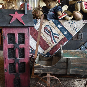 Primitive Saltbox Country House with Storage and lights