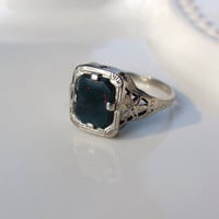 Art Deco Bloodstone White Gold Filigree Ring Ladies 14k Victorian square octagon unique flowers green red