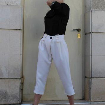 Harem Pants/ White Casual pants/ Drop-Crotch Trousers/Loose/ Knee length/ Button fastening / Cropped pants