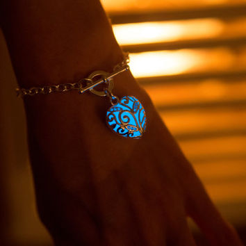 Blue Glowing Heart Bracelet - Glow in the Dark Bracelet - Glowing Jewelry - Valentine - Gifts for Her - Glow in the Dark Jewelry
