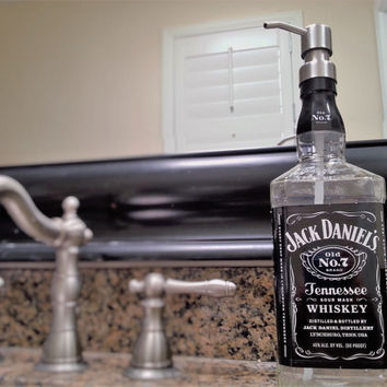 Large Jack Daniels Whiskey Soap Dispenser / Pump Bottle / Father Dad Boyfriend Gift / Whiskey Gift / Glass Soap Dispensers / Whiskey Lover