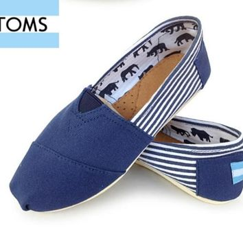 MEN/WOME TOMS UNISEX FLAT SHOES FASHION LEISURE LOAFERS
