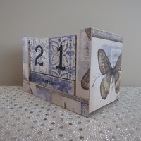 Perpetual Wooden Block Calendar - Blue and Beige - Ocean Beach and Sea