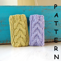 PDF pattern Knit iPhone cover sleeve with cable pattern, phone sleeve, phone case