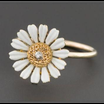 DCKL9 ON SALE Antique Pin Conversion Ring | 10k Gold & Diamond Daisy Ring | Diamond Daisy Fl