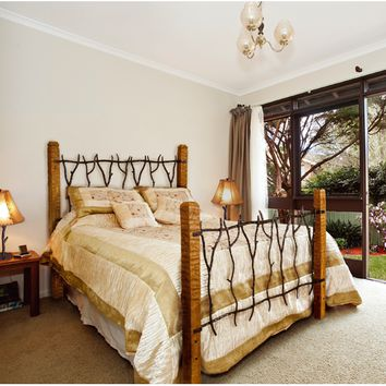 South Fork Wrought Iron and Wood Bed