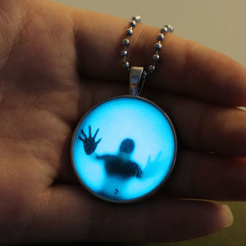 New Steampunk Charm Luminous Glow in the Dark Pendant Halloween Bead Necklace + Gift Box