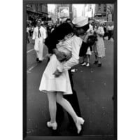 Art.com - Kissing on VJ Day
