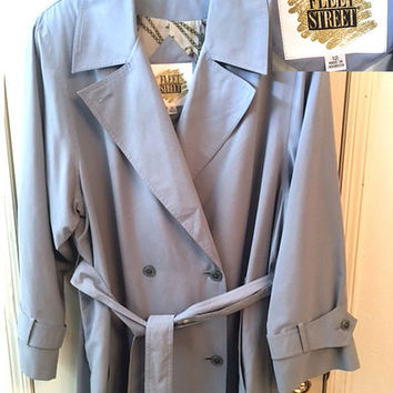 Vintage Ladies Fleet Street Trench, 80's Light Gray Long Rain Coat w/Tie Belt, Ladies Double Breasted Trench, Raglan Sleeve Spy Coat Size 12