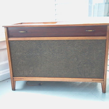 Sale, Victrola, RCA Victor, Radio and Record Player, Console, Danish Modern, Model 4VF095
