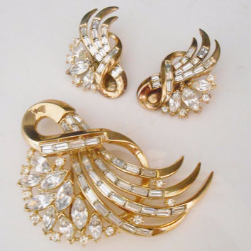 "Trifari Alfred Philippe ""Comet"" Brooch & Clip Earrings 1953 Book Piece"