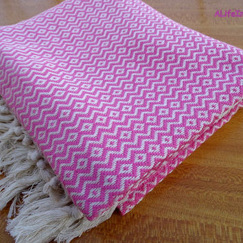 Pink colour herringbone diamond patterned Turkish soft cotton bath towel, beach towel, travel towel, travel blanket.