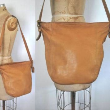 ONETOW Coach Bag Purse / British tan brown leather / DISTRESSED