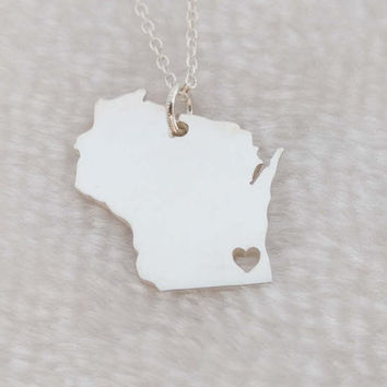 Silver Wisconsin Necklace ,Wisconsin State Necklace ,WI State Shaped Pendant Necklace,Wisconsin State Jewelry,Wisconsin Home Necklace