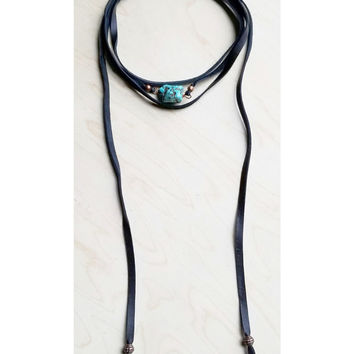Jewelry Junkie Women's Wrap Around Choker with Turquoise Chunk in Black