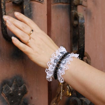 Lace cuff  bracelet, steampunk or gothic, victorian, bohemian, black agate beads, white lace, vintage, Details of polymer clay
