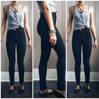 A High Waisted Skinny- Black