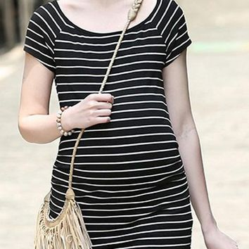 Black-White Striped Round Neck Short Sleeve Plus Size Casual Maternity Mini Dress