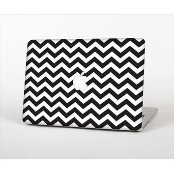 """The Black and White Zigzag Chevron Pattern Skin Set for the Apple MacBook Air 13"""""""
