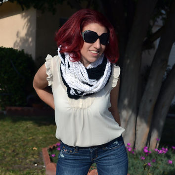 White and black chunky crocheted loop infinity scarf, cowl, chain necklace