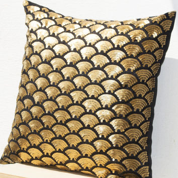 Gold pillows with embroidered waves in sequin - Black pillow covers - Black Gold Cushion cover zipper - Throw pillow 18x18 - Gold pillowcase