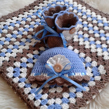 Baby boy coming home outfit, baby shower gift, take baby home set, bringing baby boy home set, photo prop for babies, baby blanket