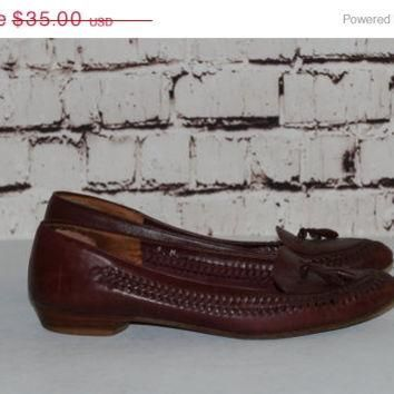 40% OFF 70s leather flats woven us 9 loafer pointy stacked wood grunge brown boho hips