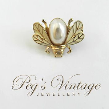 Unique 1950's Vintage Gold tone Bumble Bee, Bug Insect Pearl Brooch/Pin/Hair Clip