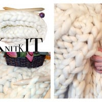 Knit Kit, SUPER Chunky Blanket, Giant Needles, Choice of Projects