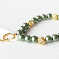 Emerald pearl bracelet, bridesmaid gold bracelet, personalized gift, ivory ribbon, bridal shower, green bracelet, wedding jewelry