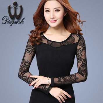 2016 New Women shirt lace hollow out Ladies blouse long-sleeved Mesh shirt Slim Patchwork Floral Black Lace Tops
