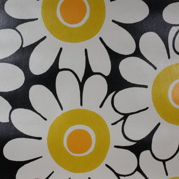 1970's Vintage Wallpaper Retro Happy Daisy on Black Background
