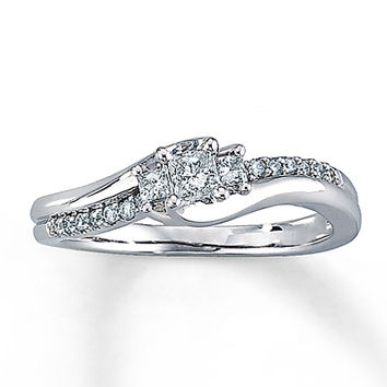 Diamond Engagement Ring 1/3 ct tw Princess-cut 10K White Gold