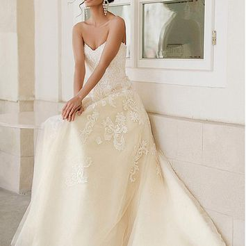 [159.99] Delicate Tulle Sweetheart Neckline A-line Wedding Dresses With Lace Appliques - dressilyme.com